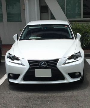 新車価格:470万円~630万円