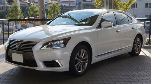 2012_lexus_ls600h_japan_0-small