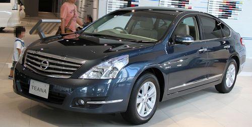 2012_Nissan_Teana_250XL