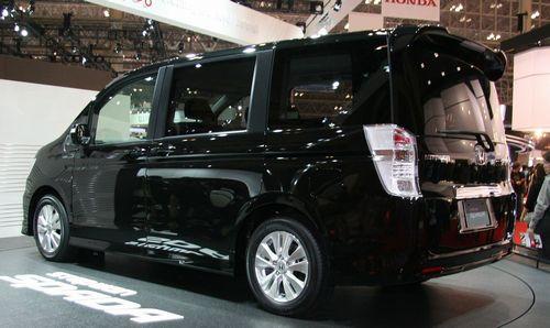 Honda_Step_WGN_Spada_rear