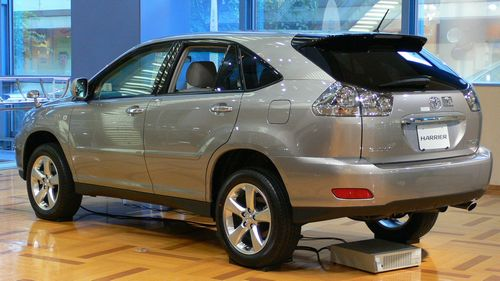 2003_Toyota_Harrier_02