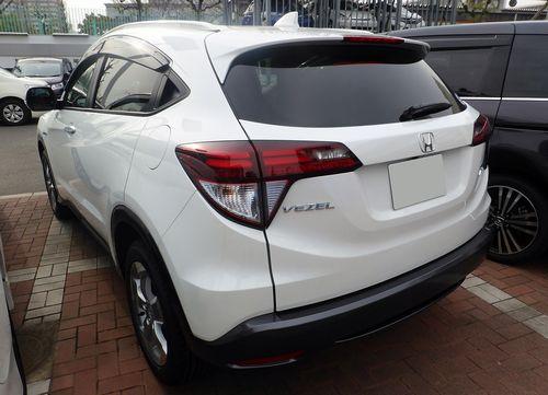 Honda_VEZEL_HYBRID_X_(RU3)_rear