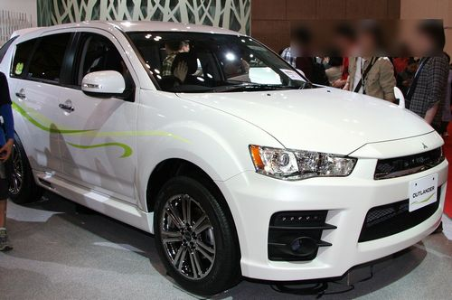 Mitsubishi_Outlander_Roadest