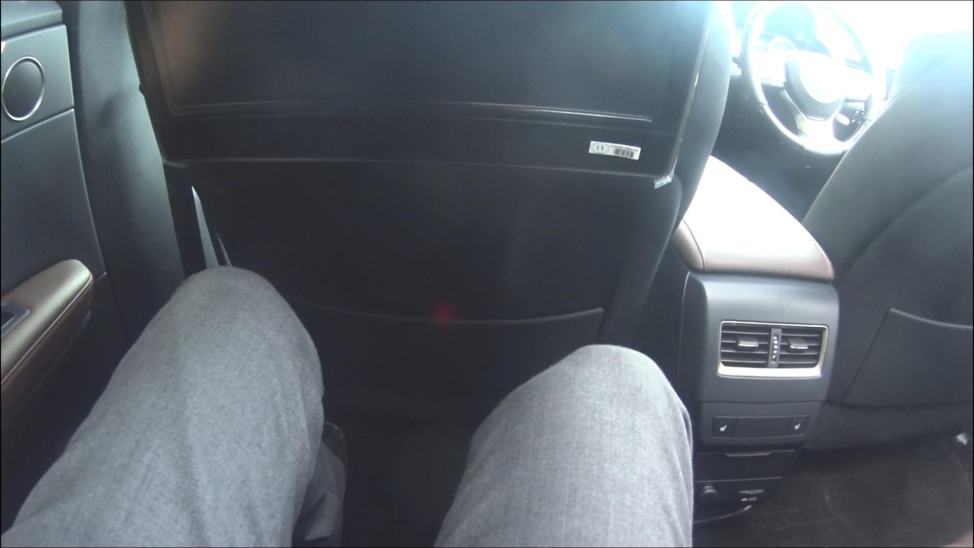 レクサスRX 後部座席のスペース