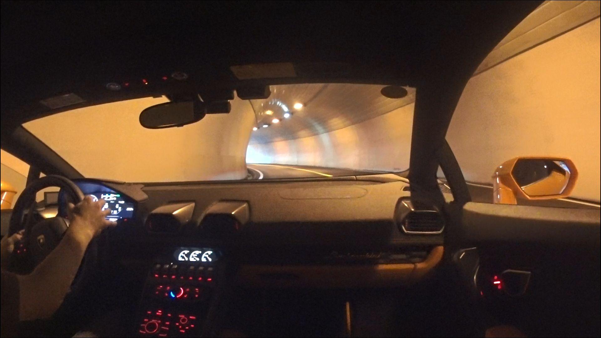 ウラカン トンネル