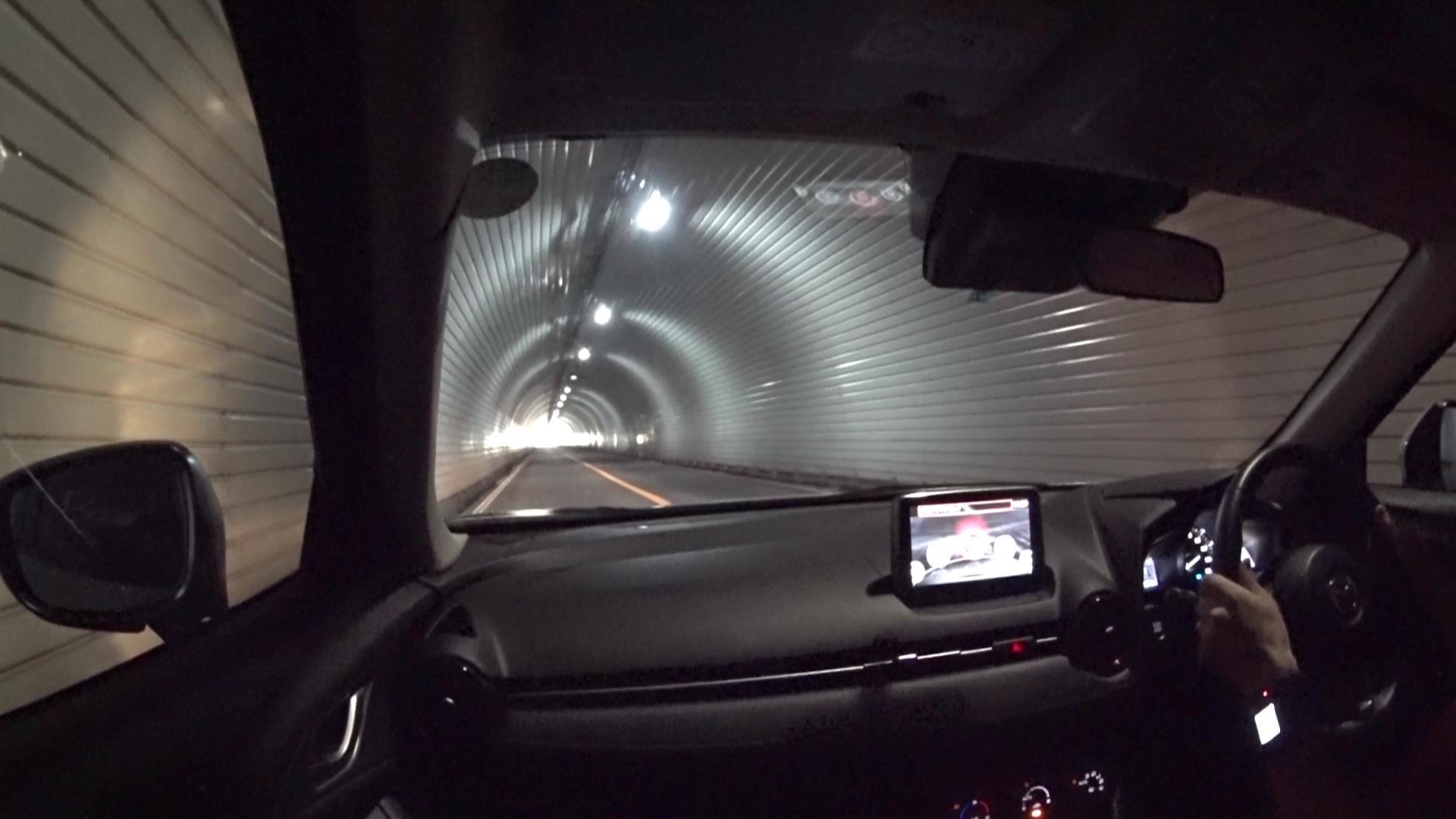CX-3 トンネル
