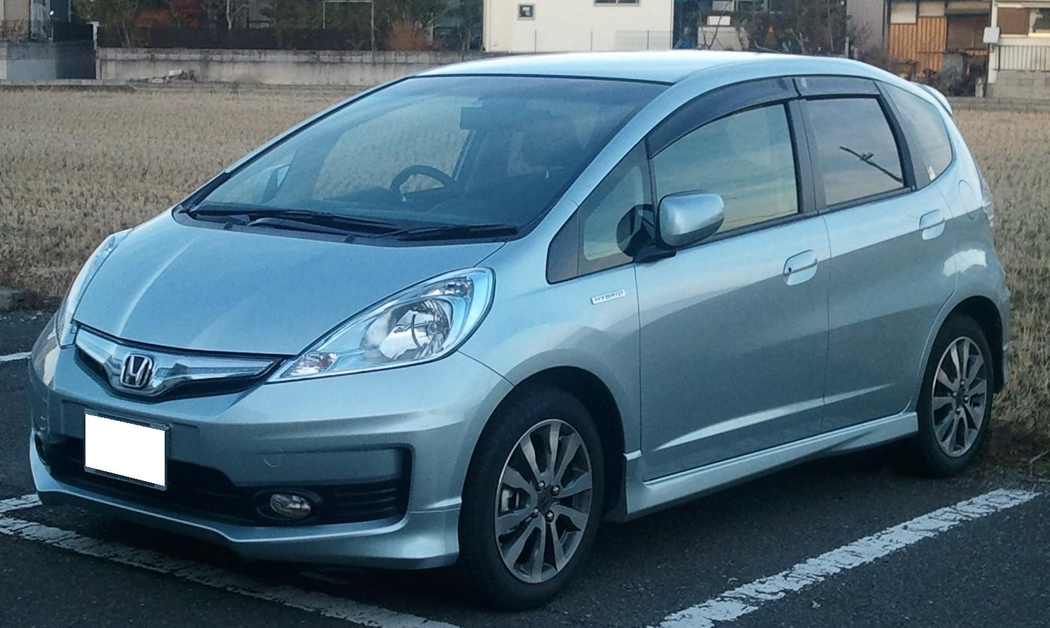 honda_fit_hybrid_rs03